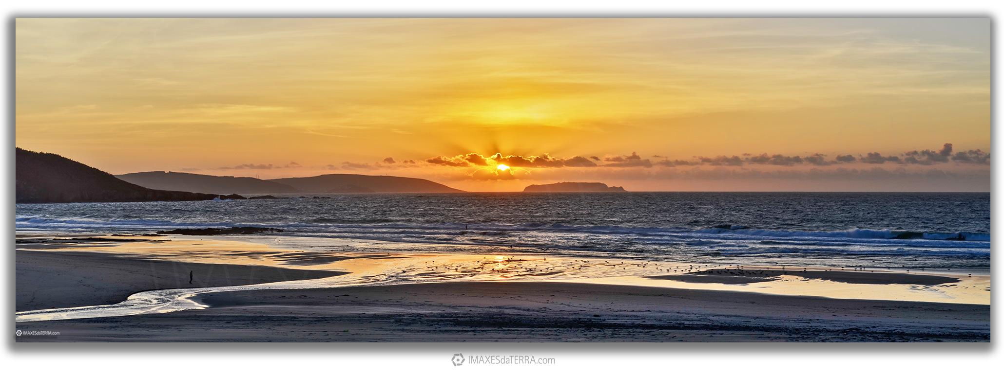 Ara Solis Praia Razo, Comprar fotografía de Galicia Paisajes Gallegos Puesta de Sol en Playa de Razo Islas Isargas Decoración Naturaleza